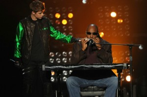 justin-bieber-stevie-wonder-x-factor